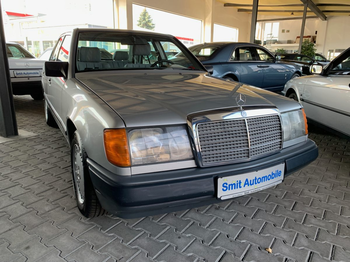 Verkauft // Mercedes Benz W124 260 E Automatik Schiebedach